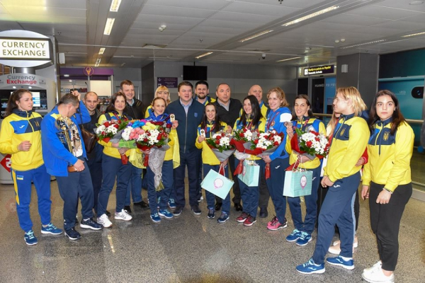 Найкращу команду Європи в аеропорту зустрічав міністр молоді та спорту Ігор Жданов