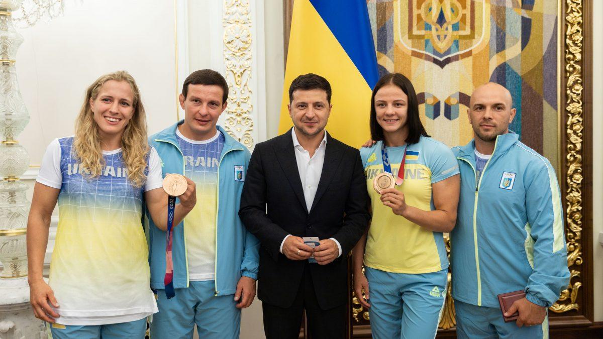 Президент зустрівся з олімпійцями