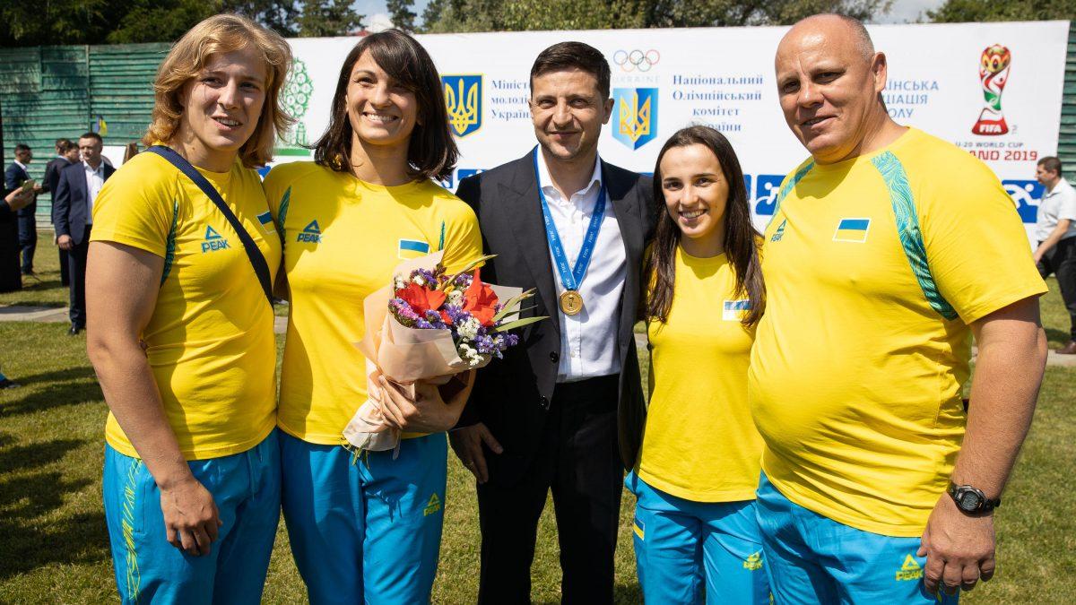 Президент нагородив спортсменів