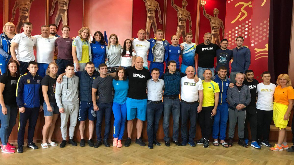 Асоціація вільної боротьби відзначила героїв Європейських ігор