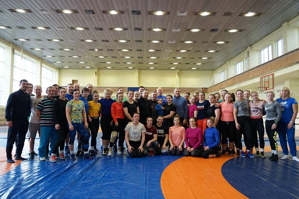 Міністр молоді та спорту Вадим Гутцайт та Сергій Бубка завітали до борцівської зали